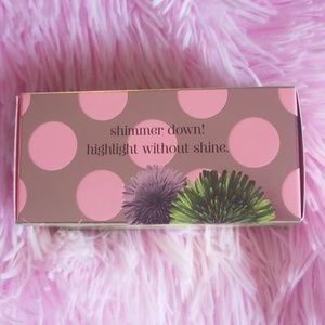 Makeup - Benefit dandelion shy beam
